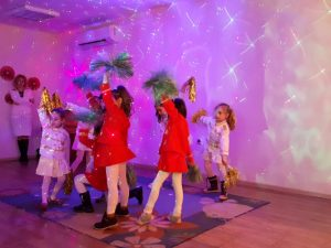 Кметът Николай Чунчуков празнува с деца Деня на майчиния език