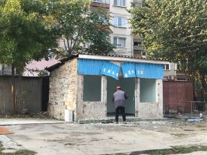 Премахват незаконни търговски обекти и гаражи в Столипиново