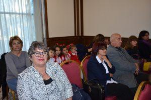 "300 деца учиха, твориха и посетиха културни представления по проекта ""Растем заедно"""