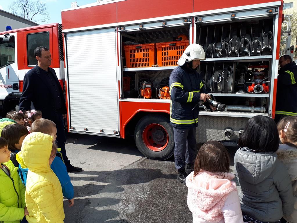 """Николай Чунчуков присъства на демонстрация по пожарна безопасност в ДГ """"Чайка"""""""
