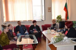 "Посланикът на Канада посети училище ""Пенчо Славейков"" в ""Източен"""