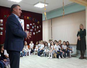 """Кметът на Източен Иван Стоянов на гости в ДГ"""" Детелина"""""""